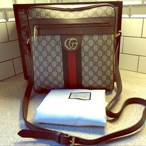 Men crossbody Gucci bag